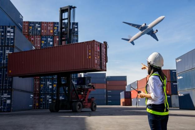 Quais os benefícios de contratar uma empresa de logística